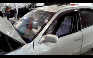 Замена лобового стекла на тойота камри