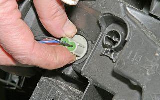 Как заменить лампочку габаритов рено логан