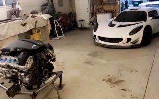 Американец в одиночку переделал lotus в суперкар с двигателем v10