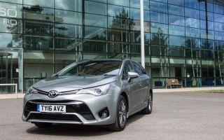 Toyota avensis снята с производства, может быть заменена auris…